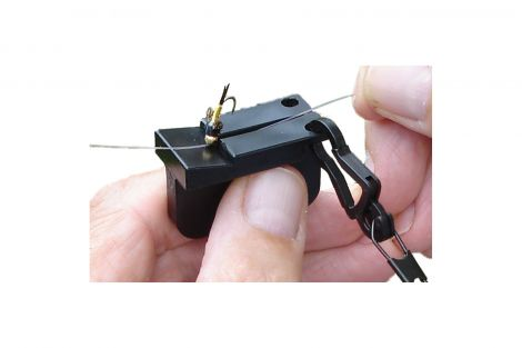 St George Tightlines Enterprises Magnetic Fly Threader